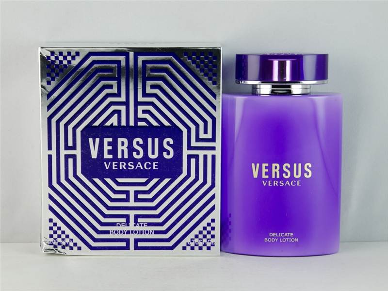 VERSACE VERSUS  BODY LOTION ЗА ЖЕНИ